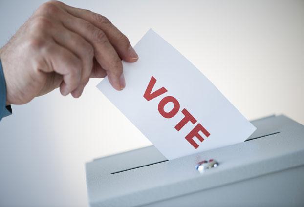 दस संसदीय क्षेत्र में महिला-पुरूषों का मतदान प्रतिशत बढ़ा