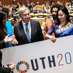 Photo Credit: Secretary-General António Guterres speaking with youth